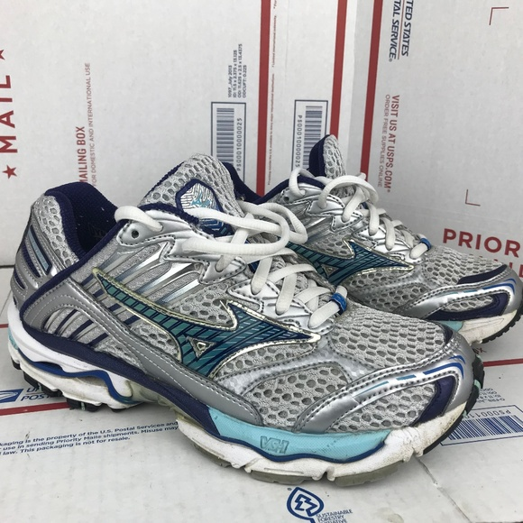 bb61205248037 Mizuno Womens Wave Nirvana 5 8KN-94119 Size 7.5